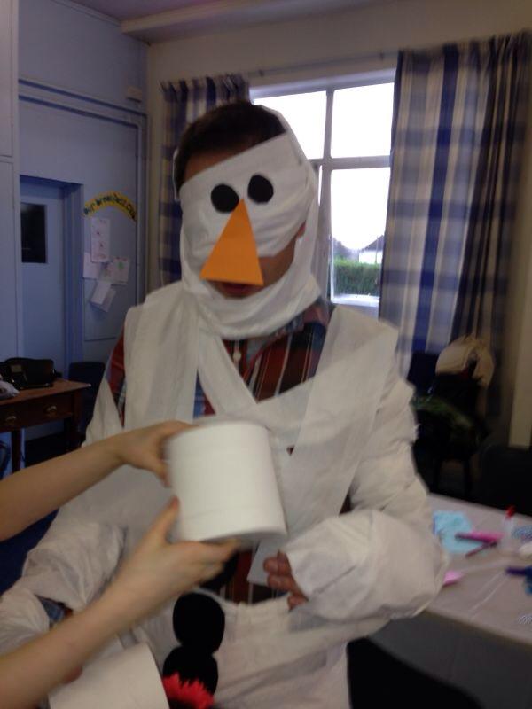 Cardiff Mummy Says Frozen birthday party Snowman Game