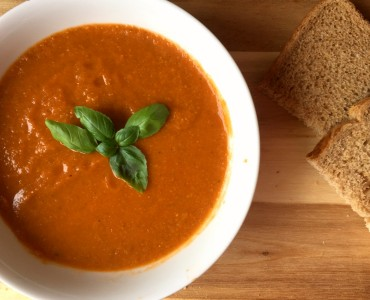 tomato, chick pea and spinach soup