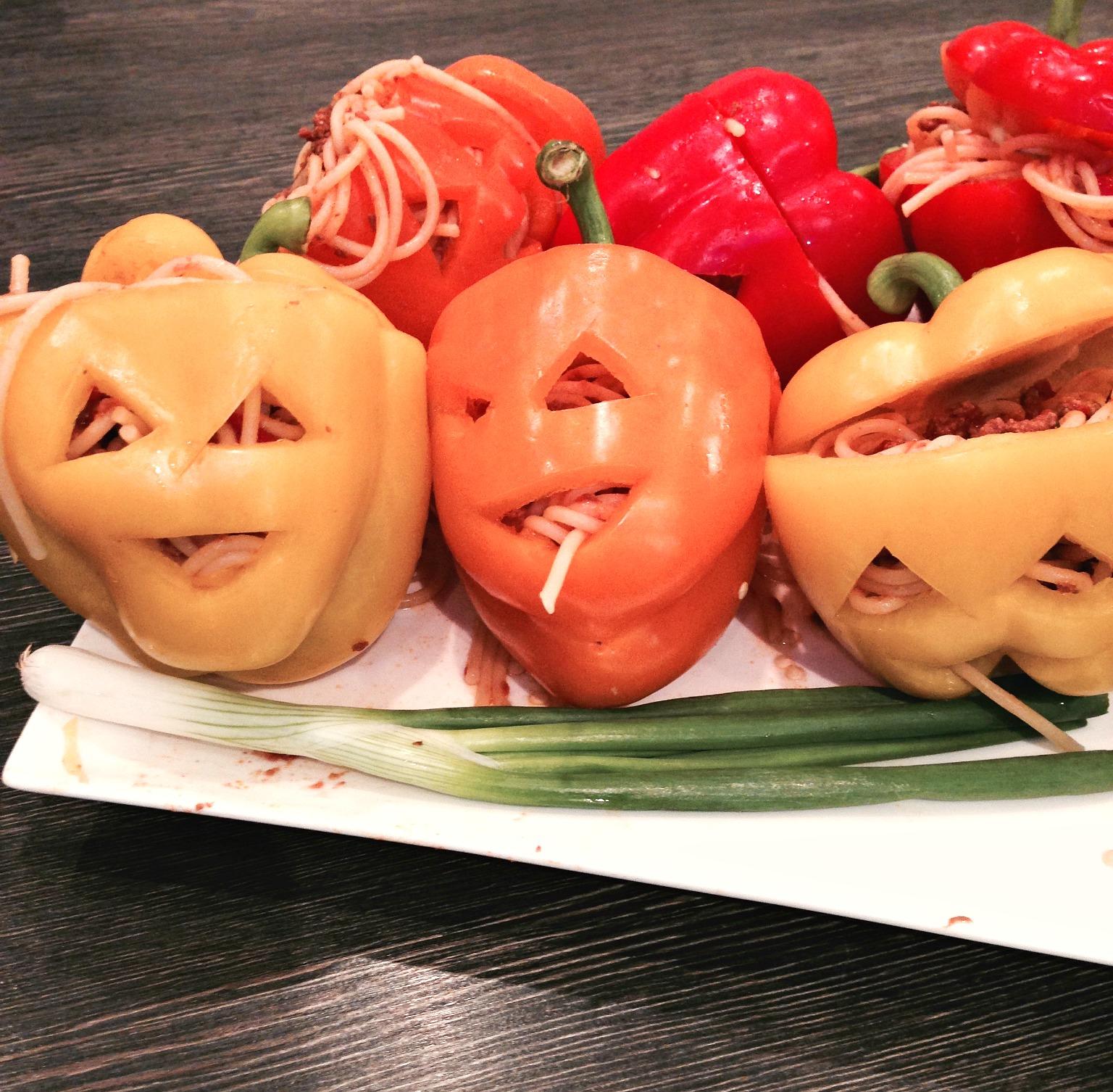 spooky spaghetti heads