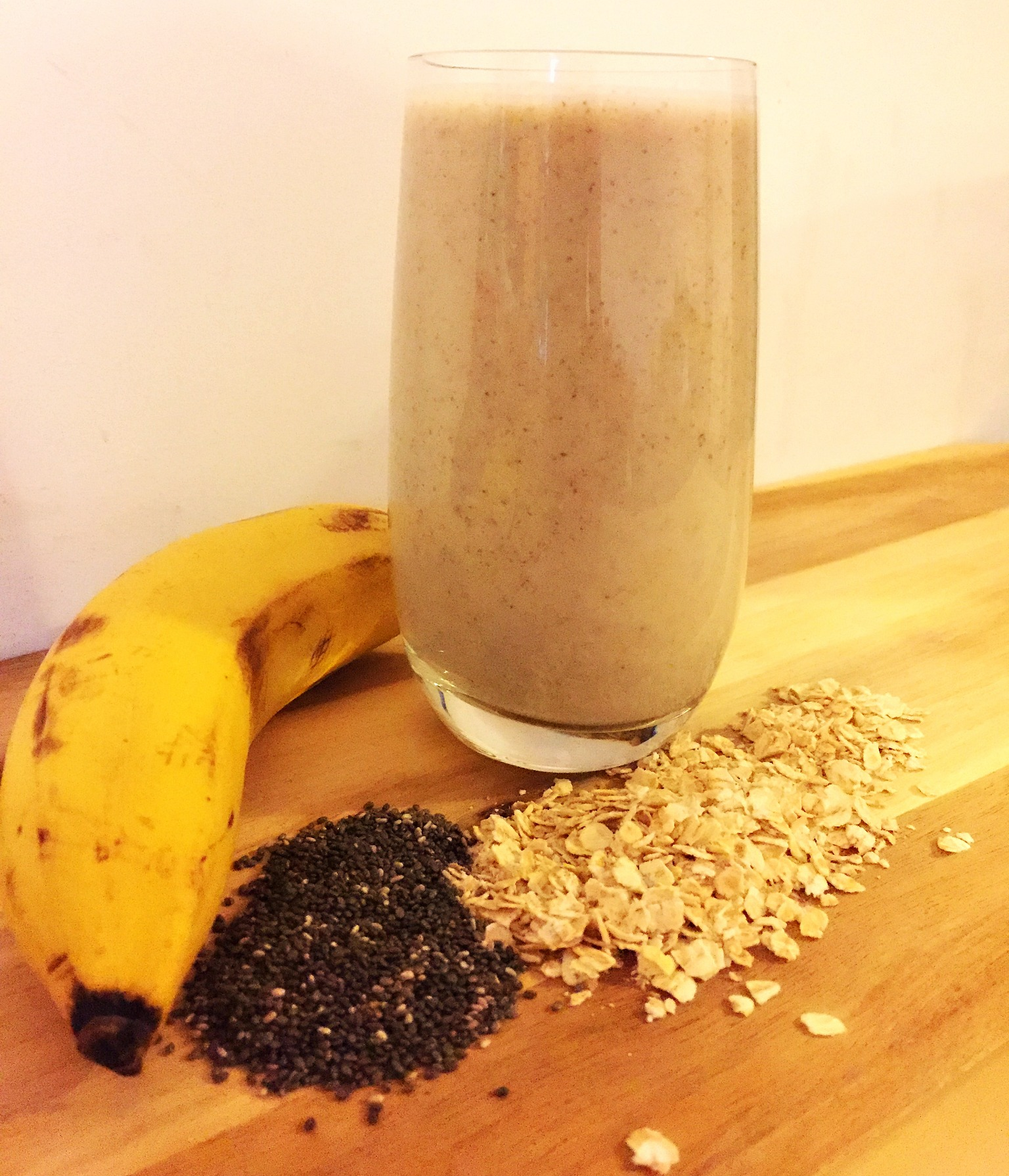 Banana oats chia seeds almond milk smoothie