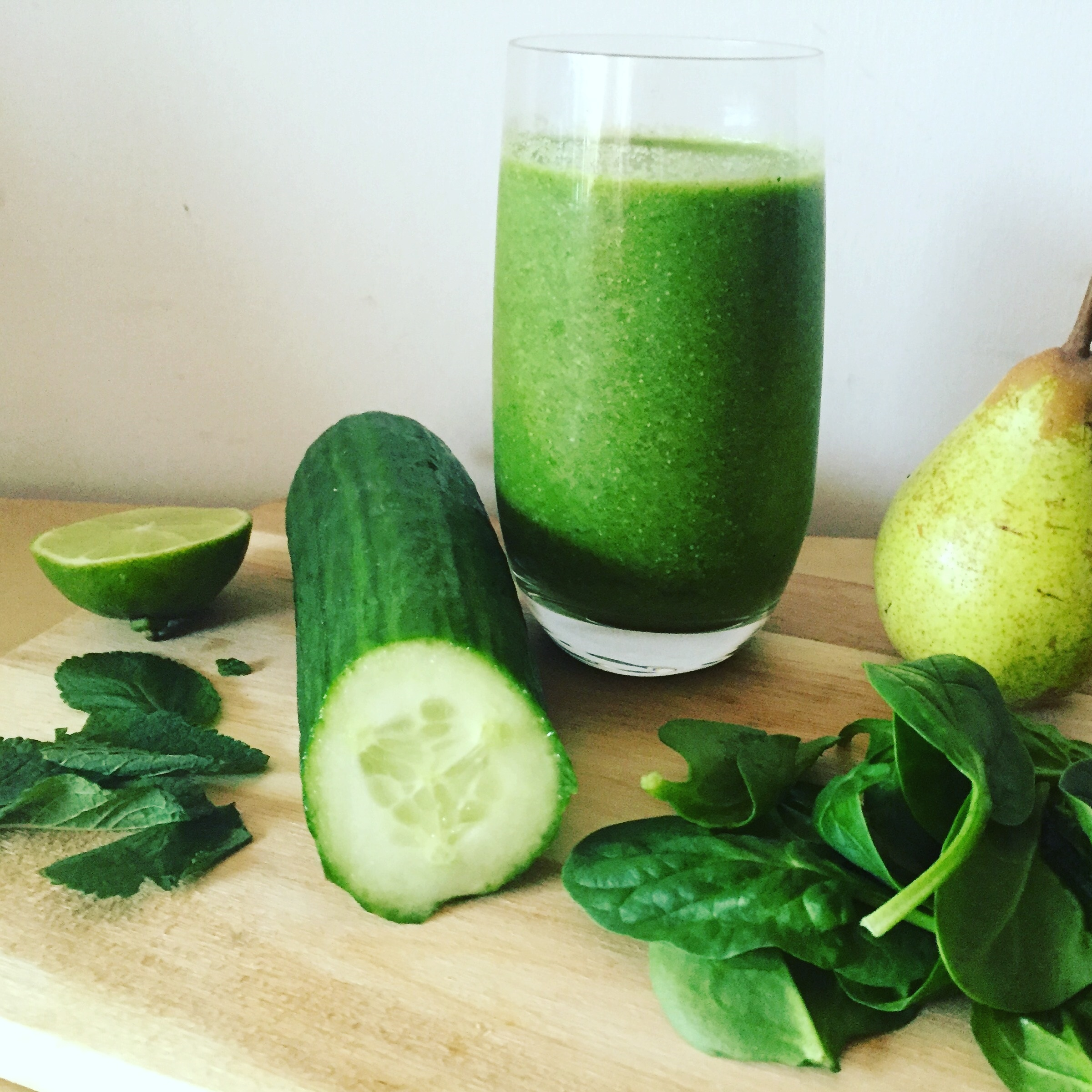 cucumber mint pear spinach smoothie