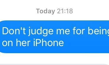 11 05 2016 Don't judge me for being a mum on her iPhone