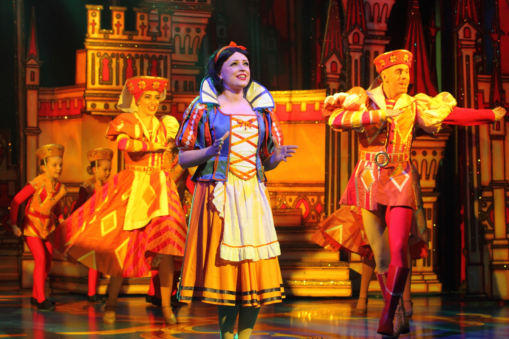 Snow White New Theatre Cardiff