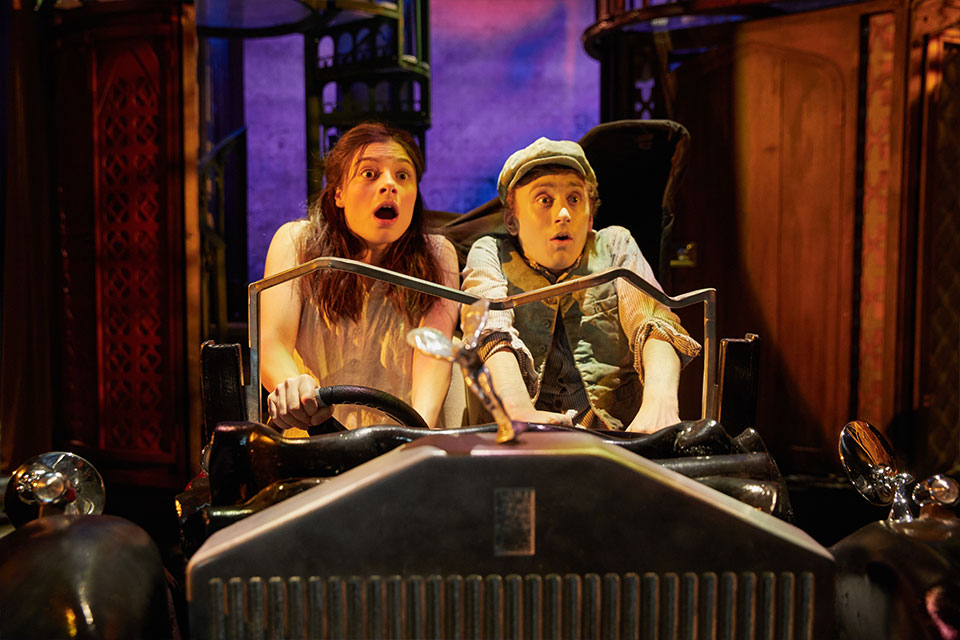 Awful Auntie theatre show review